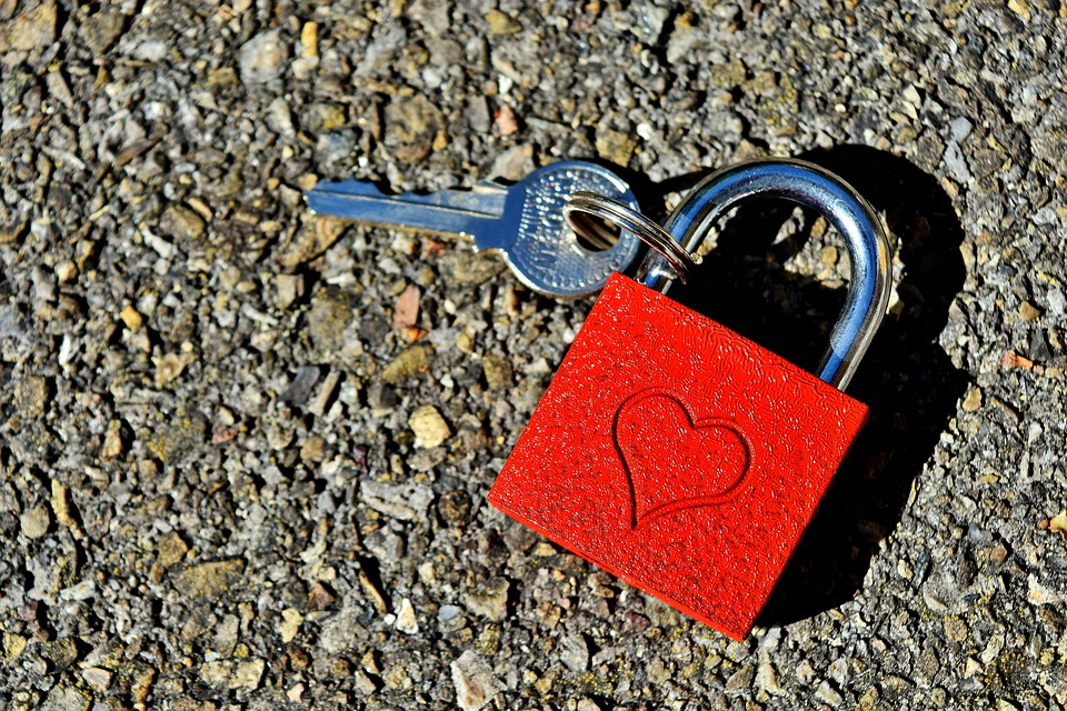 key-to-the-heart-2509695_960_720